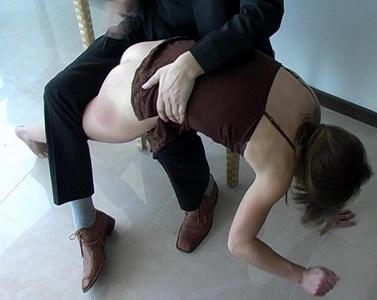 draußen sex frauen übers knie legen